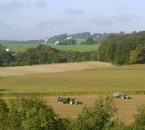 Landschaft in der Nähe vom Hof, im Hintergrund Silschede
